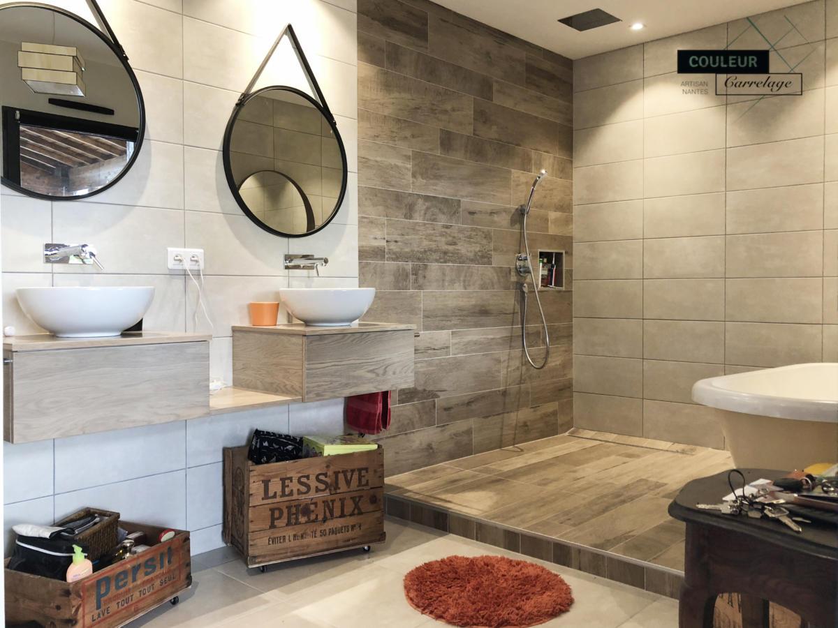 salle d'eau et bain imitation bois